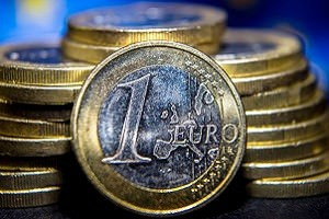 Выборы в Европе дают золоту шанс на рост цен